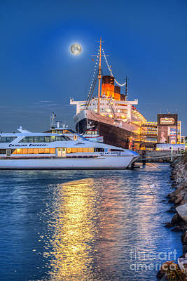 Photograph - Queen Mary Catalina Cruise Full Moon Vertical by David Zanzinger