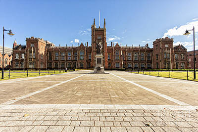 Photograph - Queens University, Belfast by Jim Orr