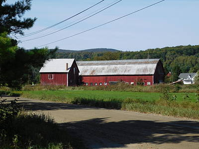 Photograph - Red Barn In Coventry Vermont by Catherine Gagne