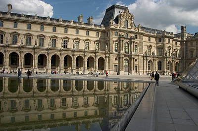 Photograph - Reflection Of The Louvre by Carl Purcell