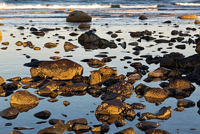 Photograph - Rising Tide by John Hoey