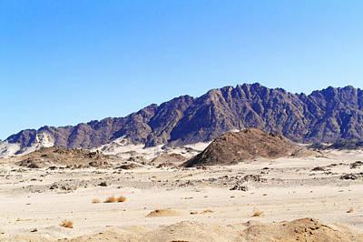 Nirvana - Road to Luxor from Safaga. by Marek Poplawski