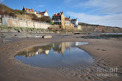 Robin Photograph - Robin Hoods Bay by Smart Aviation