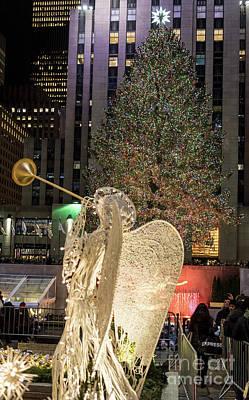 Photograph - Rockefeller Center Christmas Tree by David Oppenheimer