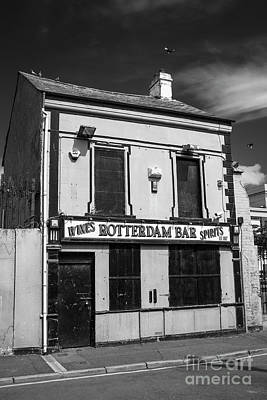 Photograph - Rotterdam Bar, Belfast by Jim Orr