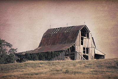 Tin Photograph - Rustic Barn by Tom Mc Nemar