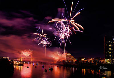 Photograph - Sacramento Fireworks 3 by Jim Thompson