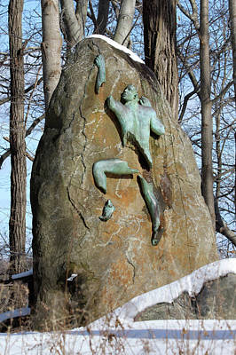Photograph - Sculpture Stony Brook New York by Bob Savage