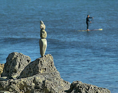 Photograph - Sentinel At Surfers Point by Michael Gordon