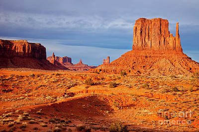 Photograph - Setting Sunlight Over Monument Valley by Brian Jannsen