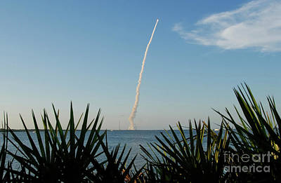 Cape Kennedy Photograph - Shuttle Launch by David Lee Thompson