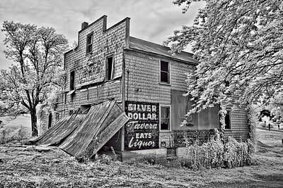 Appleton Photograph - Silver Dollar Tavern by Bob  Colvin