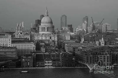 Photograph - St Pauls Cathedral, London by Perry Rodriguez
