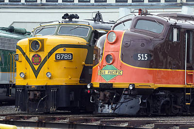 Photograph - Streamliners Festival -- Canadian National 6789 And Ip 515 by Joseph C Hinson Photography