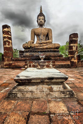 Effigy Photograph - Sukhothai Historical Park by Adrian Evans