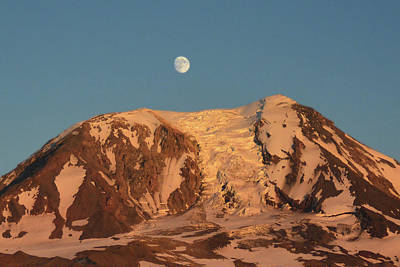 Photograph - Sunset And Moonrise At Mt Adams by Jack Moskovita