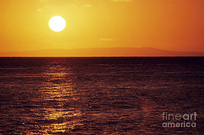 Large Sinks Photograph - Sunset On The Horizon by Carl Shaneff - Printscapes