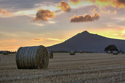 Photograph - Sunset Over Bennachie by Veli Bariskan
