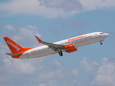Photograph - Sunwing Airlines by Dart and Suze Humeston