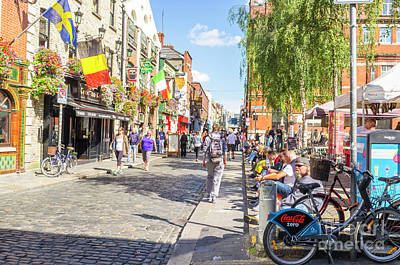 Photograph - Temple Bar by Jim Orr