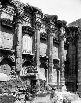 Helios Photograph - Temple Of Bacchus, Baalbek, Early 20th by Science Source
