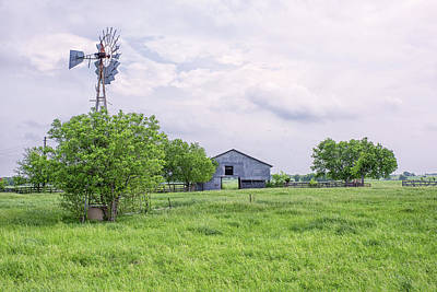Photograph - Texas Windmill by Victor Culpepper