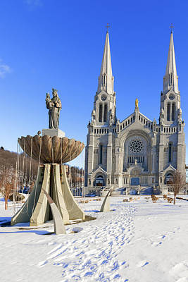 Photograph - The Basilica Of Sainte Anne De Beaupre In Quebec, Canada. by Marek Poplawski
