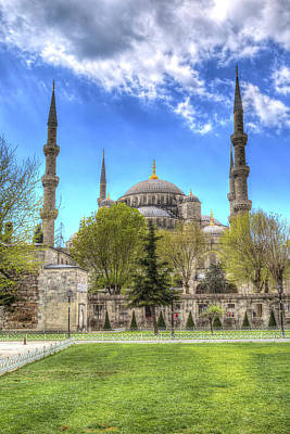 Photograph - The Blue Mosque Istanbul Turkey by David Pyatt