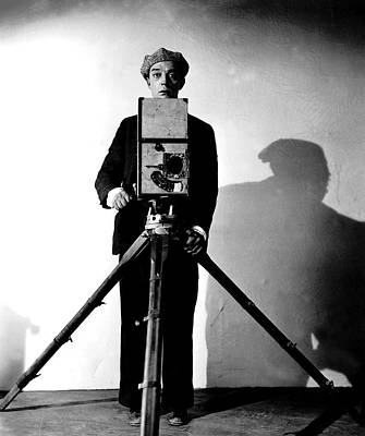 Wall Art - Photograph - The Cameraman, Buster Keaton, 1928 by Everett
