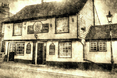 Photograph - The Coopers Arms Pub Rochester Vintage by David Pyatt