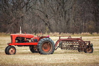 Machinery Photograph - The Ol' Wd by Todd Klassy