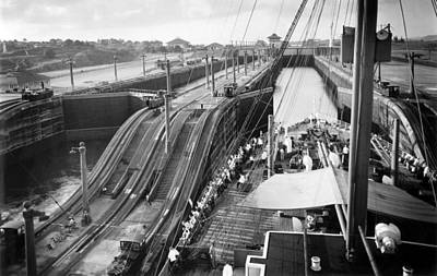 Bh History Photograph - The Panama Canal, Steps by Everett