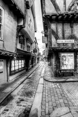 Photograph - The Shambles York by David Pyatt