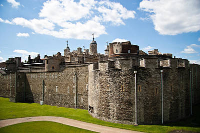 Tower Of London Photograph - Tower Of London by Dawn OConnor