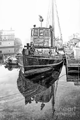 Tug Boat Art Print by Hartono Tai