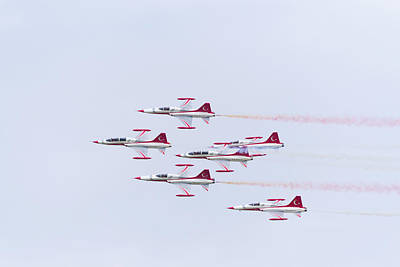 Photograph - Turkish Star Air Force Demonstration Team by Hans Engbers