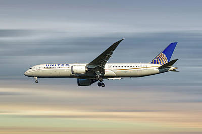 Mixed Media - United Airlines Boeing 787-9 Dreamliner by Smart Aviation