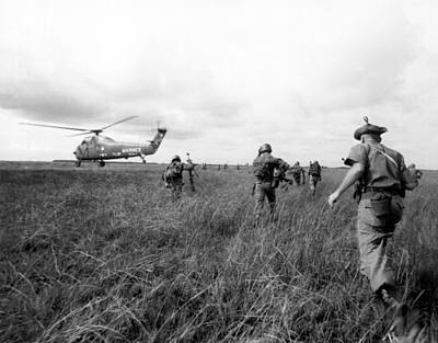 U.s Army Photograph - U.s. Army Advisors In Vietnam by Underwood Archives