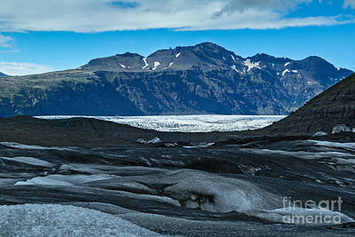 Photograph - Vatnajokull Vista by Stuart Gordon
