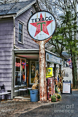 Old Texaco Gas Station Photograph - Vintage Texaco Sign by Paul Ward