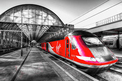 Photograph - Virgin Train Kings Cross Station by David Pyatt