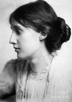 Woolf Photograph - Virginia Woolf (1882-1941) by Granger
