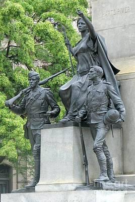 Photograph - War Memorial by Frank Townsley