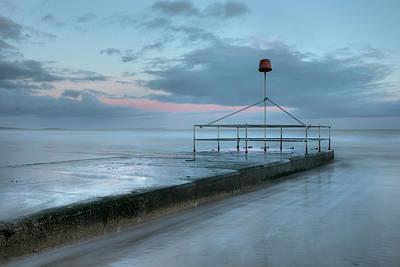 Abstrakt Photograph - wave-breaker - England by Joana Kruse
