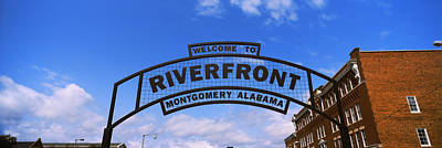 Welcome Sign At A Park, Riverfront Art Print by Panoramic Images