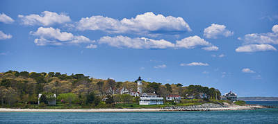 Photograph - West Chop Light In Vineyard Haven by Walter Rowe