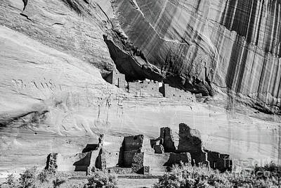 Photograph - White House Ruins - Canyon De Chelly - Arizona by Gary Whitton
