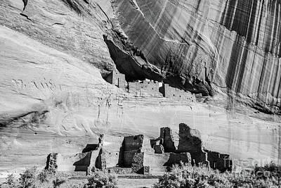 Photograph - White House Ruins - Canyon De Chelly - Arizona by Gary Whitton