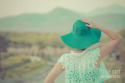 Aim High Photograph - Woman  by Thanawat  Wongsuwannathorn