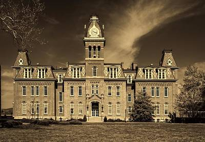 Woodburn Photograph - Woodburn Hall - West Virginia University by L O C
